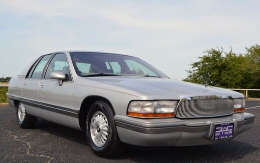 1992_Buick_Roadmaster_Limited Sedan_ Fort Worth TX