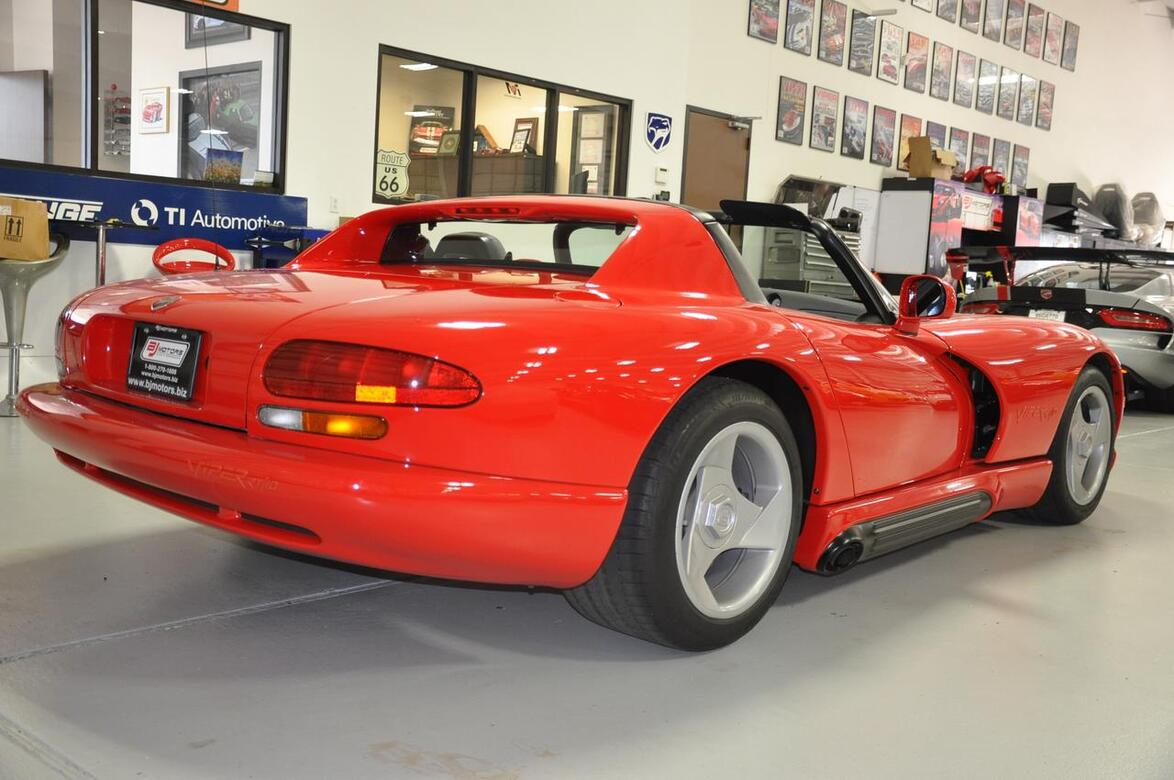 1992 dodge viper only 285 cars built in 92 sports car rt. Black Bedroom Furniture Sets. Home Design Ideas