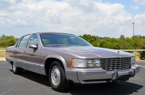 1993_Cadillac_Fleetwood_Brougham Sedan_ Fort Worth TX
