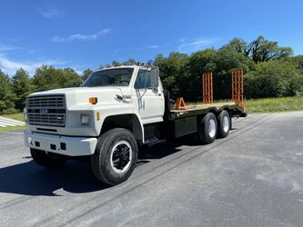 Ford FT900 Tandem Axle Equipment Hauler  1994
