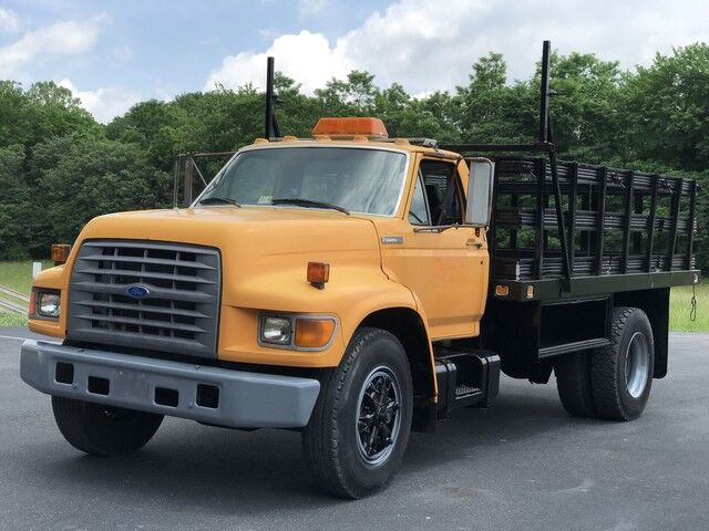 1995 Ford F SERIES STAKEBODY Crozier VA