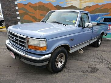 1996_Ford_F-150_XL Reg. Cab Short Bed 2WD_ Saint Joseph MO