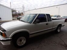 1997_Chevrolet_S10 Pickup_LS Ext. Cab 2WD_ Middletown OH
