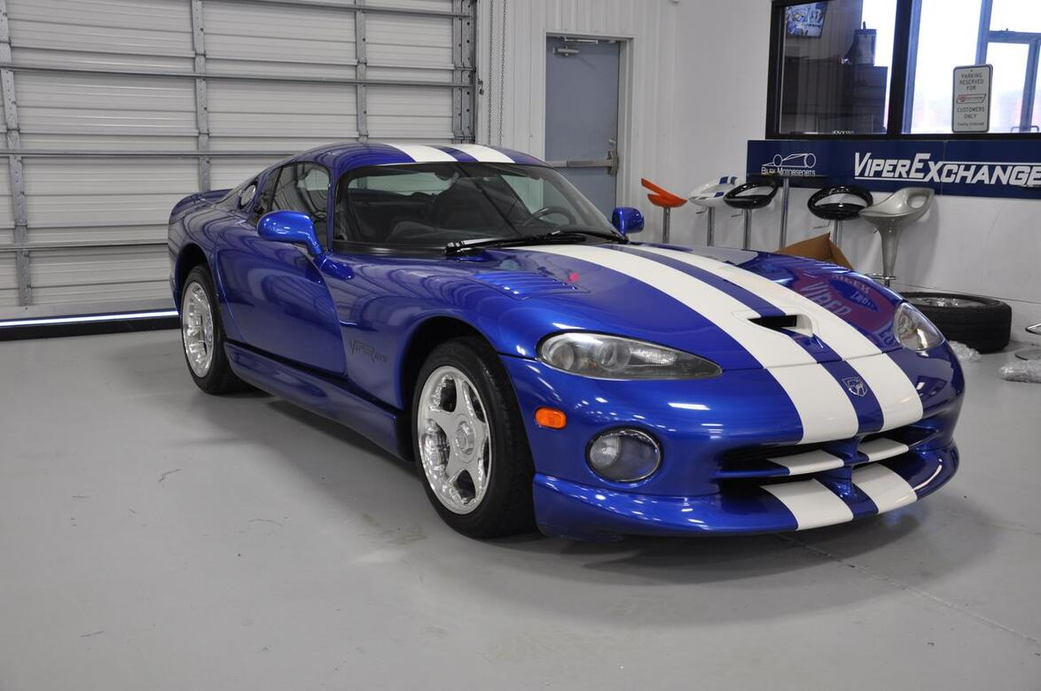 1997 dodge viper gts blue with white stripes tx 18241847. Black Bedroom Furniture Sets. Home Design Ideas