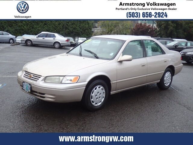 1997_Toyota_Camry_LE_ Gladstone OR