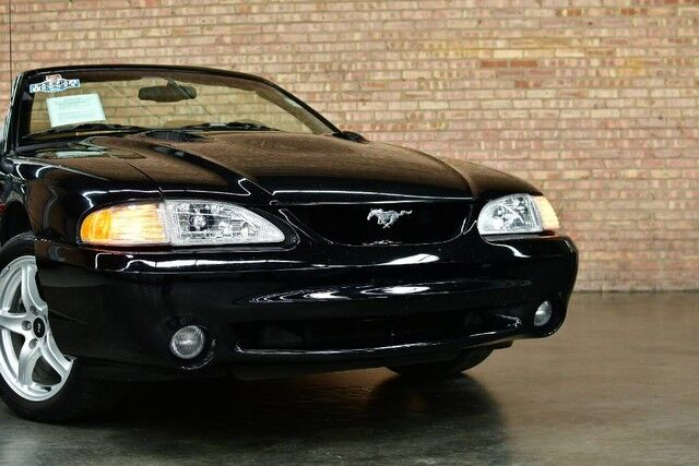 1998 Ford Mustang SVT Cobra Convertible - 4.6L SHP V8 ENGINE 1 OWNER 5 SPEED MANUAL TRANSMISSION TAN LEATHER INTERIOR MACH PREMIUM AUDIO SYSTEM Bensenville IL