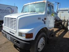 International 4700 Cab & Chassis Truck 1999