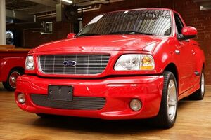 2000_Ford_F-150_Generation II SVT Lightning_ Hickory NC