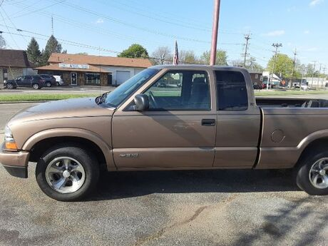 2002 Chevrolet S10 Pickup LS Ext. Cab 2WD Middletown OH