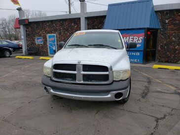 2002_Dodge_Ram 1500_ST Short Bed 2WD_ Saint Joseph MO