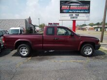 2003_Dodge_Dakota_SXT Club Cab 2WD_ Middletown OH