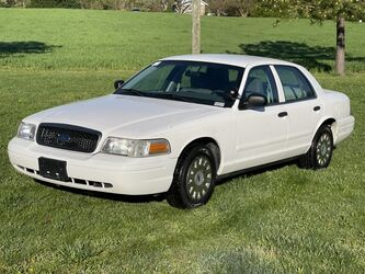 Ford Crown Victoria Police Interceptor Police Package 2003