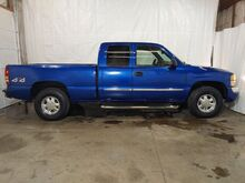 2003_GMC_Sierra 1500_SLE Ext. Cab Short Bed 4WD_ Middletown OH