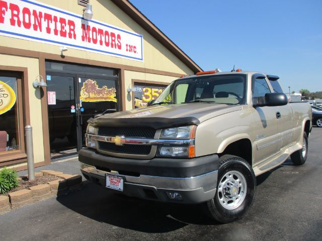2004 Chevrolet Silverado 2500HD LT Ext. Cab Short Bed 2WD Middletown OH
