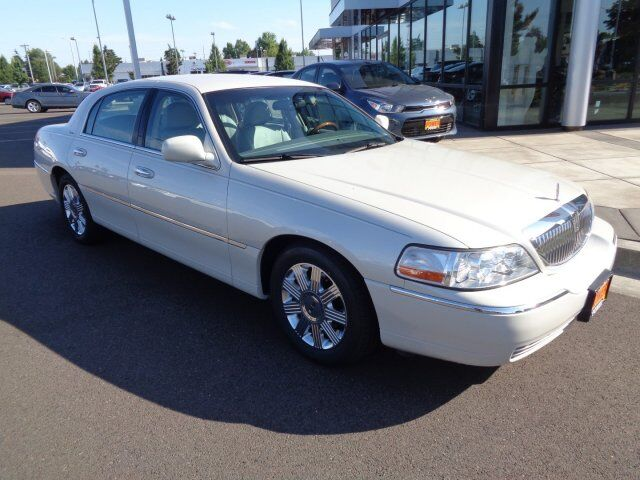 2004 Lincoln Town Car Ultimate Corvallis Or