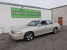 2004_Lincoln_Town Car_Ultimate_ Spokane Valley WA