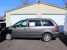 2004_Toyota_Sienna_LE_ Roanoke VA