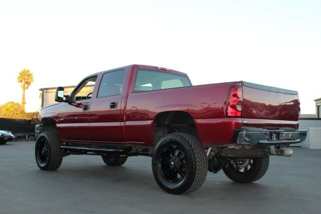 2005 chevrolet silverado 2500hd lly 6 6l duramax diesel 4x4 lifted lt sb crew santa ana ca 21404381. Black Bedroom Furniture Sets. Home Design Ideas