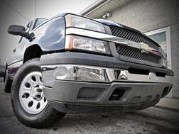 2005_Chevrolet_Silverado 1500_Work Truck 4X4 4dr LB Reg Cab STICK SHIFT_ Grafton WV