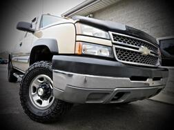 2005_Chevrolet_Silverado 2500HD_4X4 4dr Extended Cab 6 Speed Stick Shift_ Grafton WV