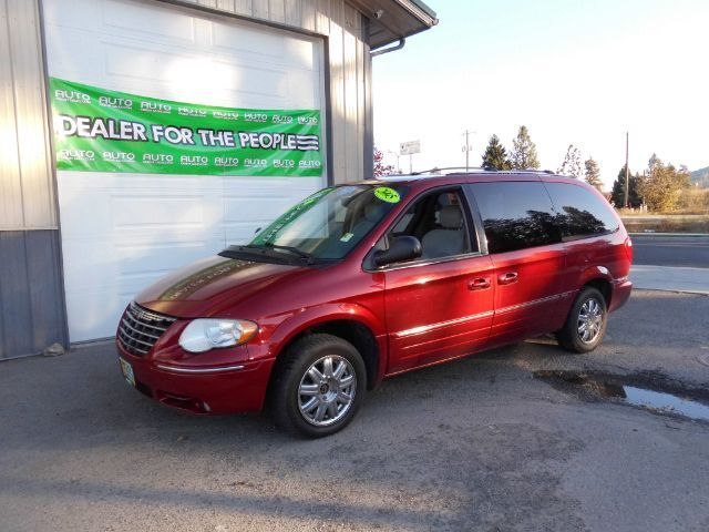 2005 Chrysler Town & Country Limited Spokane Valley WA