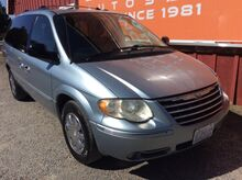 2005_Chrysler_Town & Country_Limited_ Spokane WA