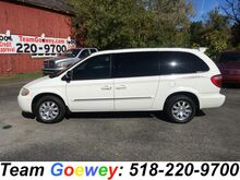 2005_Chrysler_Town & Country_Touring_ Latham NY
