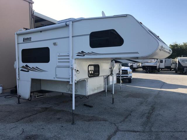 2005 Lance 820  Fort Worth TX