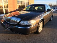 2005_Lincoln_Town Car_Signature_ Springfield IL