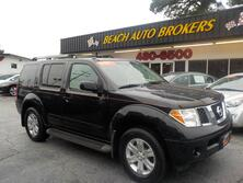 NISSAN PATHFINDER LE 4X4, AUTOCHECK CERTIFIED, ONLY 1 OWNER, 3RD ROW, LEATHER, RUNNING BOARDS, TOW, BOSE SOUND SYSTEM! 2005