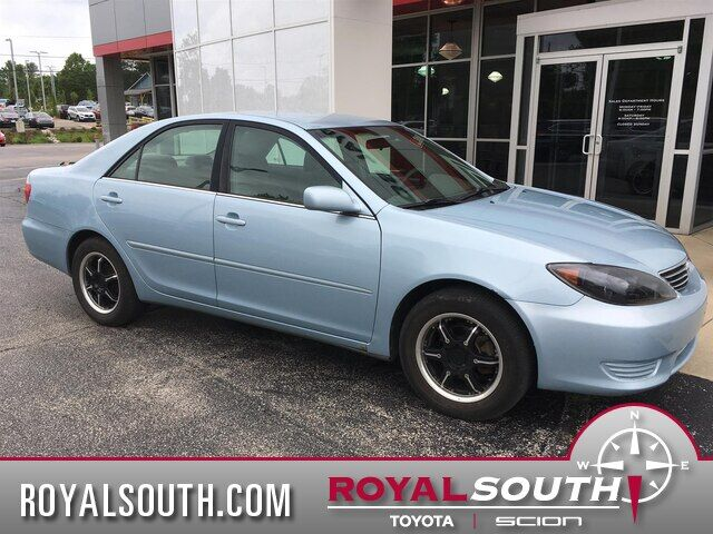 2005 Toyota Camry LE Bloomington IN