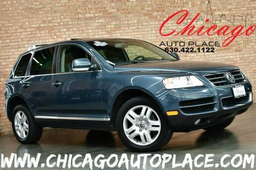 2005 Volkswagen Touareg 1 OWNER NAVIGATION GRAY LEATHER HEATED SEATS SUNROOF XENONS WOOD GRAIN INTERIOR TRIM Bensenville IL