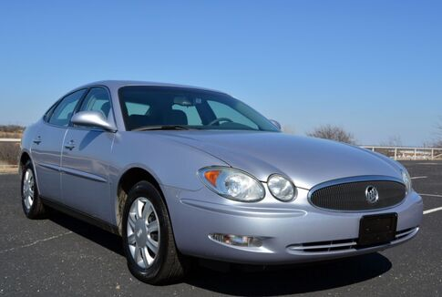 2006_Buick_LaCrosse_CX Sedan_ Fort Worth TX
