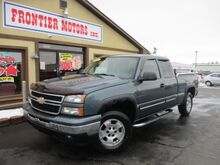 2006_Chevrolet_Silverado 1500_LT1 Ext. Cab 4WD_ Middletown OH