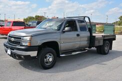 2006_Chevrolet_Silverado 3500_LT 4WD $6000 HYDRAULIC FLAT BED! 4 DOOR!_ Norman OK