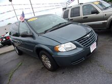 2006_Chrysler_Town & Country_Base_ Middletown OH