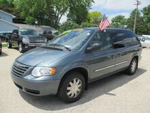 2006 Chrysler Town & Country LWB Touring Waupun WI