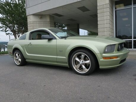 2006_Ford_Mustang_GT Premium_ Pelham AL