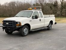 2006_Ford_Super Duty F-350 SRW_XL_ Crozier VA