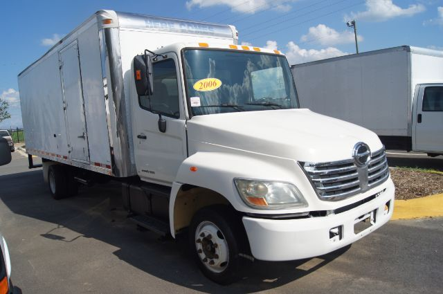 2006 HINO 258 FORWARD 26 FT BOX Charlotte NC