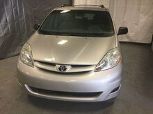 2006_Toyota_Sienna_LE_ Chicago IL