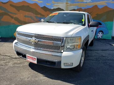 2007_Chevrolet_Silverado 1500_LT1 Ext. Cab Short Box 2WD_ Saint Joseph MO