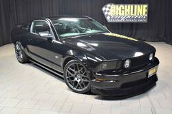 Ford Mustang GT Deluxe 5-Speed 2007