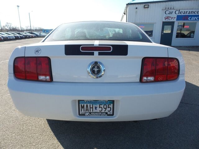 2007 Ford Mustang V6 Premium w/ Sport Appearance Package Rochester MN