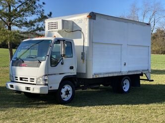 GMC W4500 14.5' Box Reefer Unit 2007