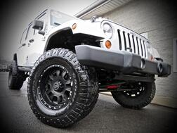 2007_Jeep_Wrangler_Unlimited Sahara 4X4 4dr SUV STICK SHIFT_ Grafton WV