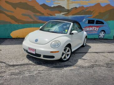 2007_Volkswagen_New Beetle_2.5L Convertible_ Saint Joseph MO