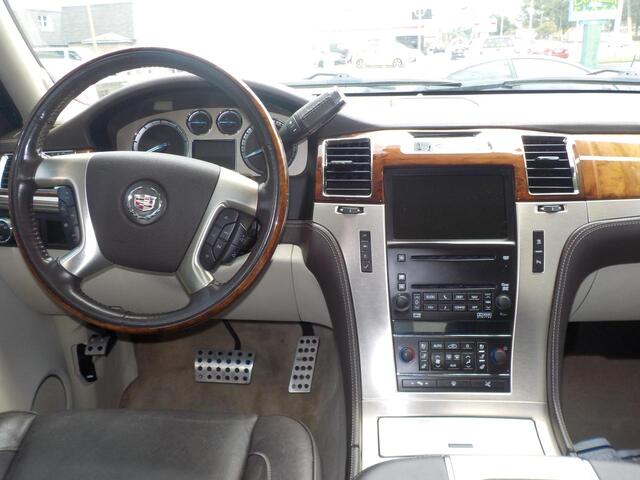 2008 CADILLAC ESCALADE PLATINUM, CERTIFIED W/ WARRANTY, LEATHER, DVD, NAVIGATION, POWER RUNNING BOARDS, TOP OF THE LINE!! Norfolk VA