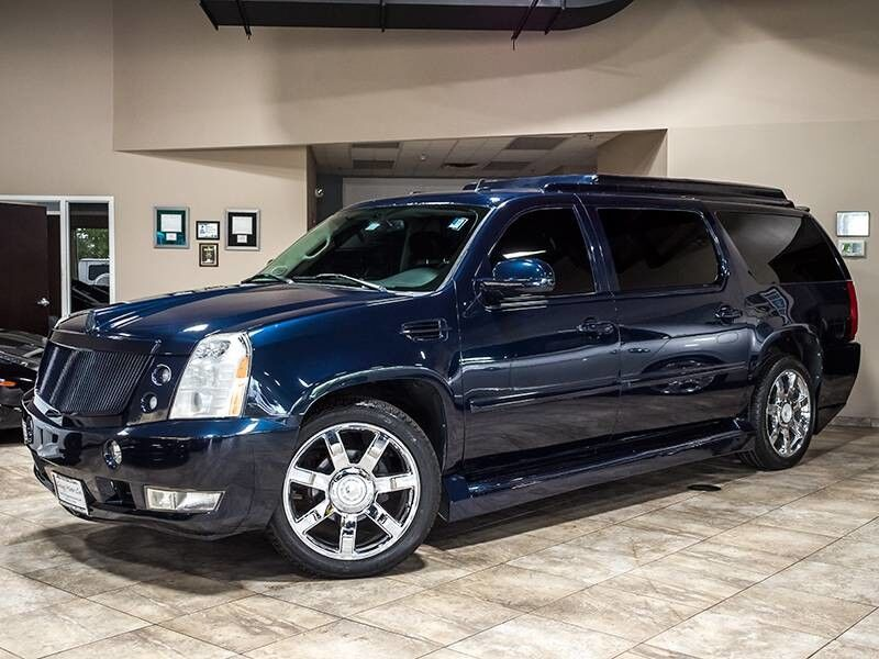 2008_Cadillac_Escalade ESV Executive Limo_4dr SUV_ Chicago IL