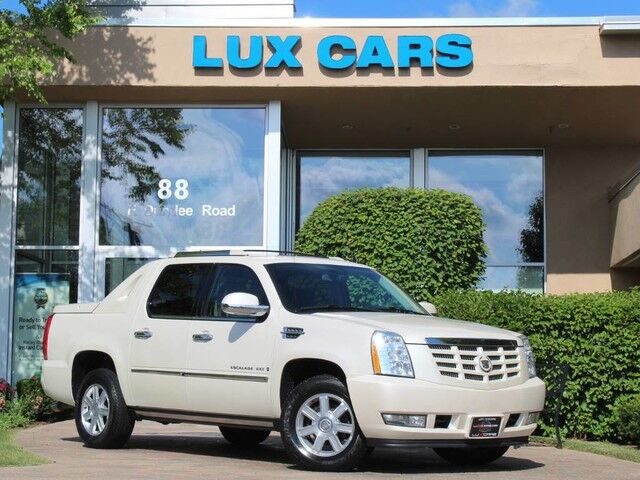 2008_Cadillac_Escalade EXT_LUXURY NAV REAR DVD AWD_ Buffalo Grove IL